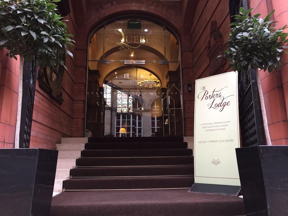 퀘벡스(Quebecs) Hotel Image 73 - Hotel Entrance