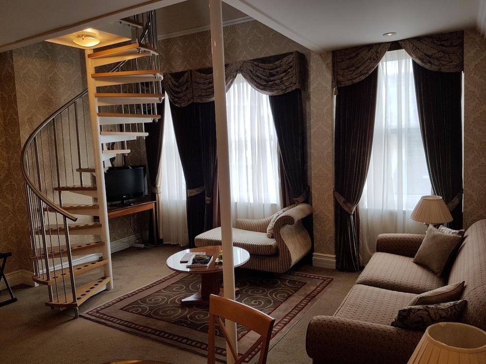 퀘벡스(Quebecs) Hotel Image 37 - Living Area