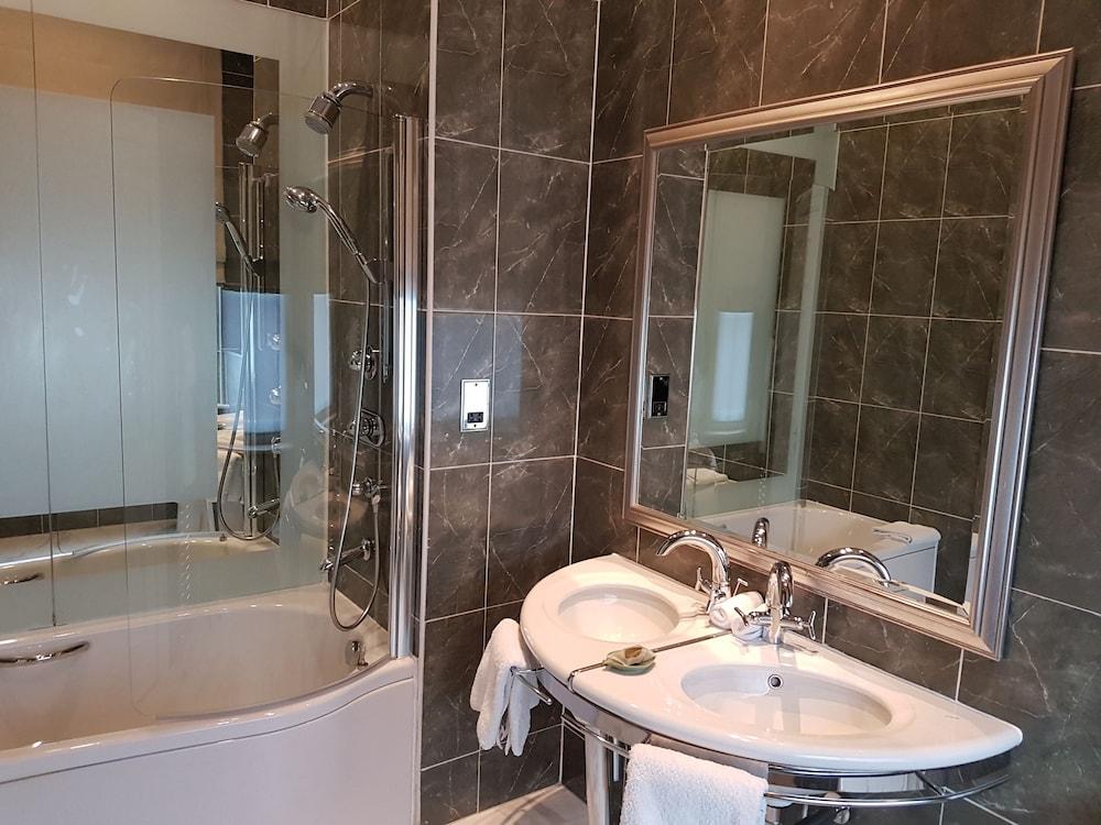 퀘벡스(Quebecs) Hotel Image 53 - Bathroom