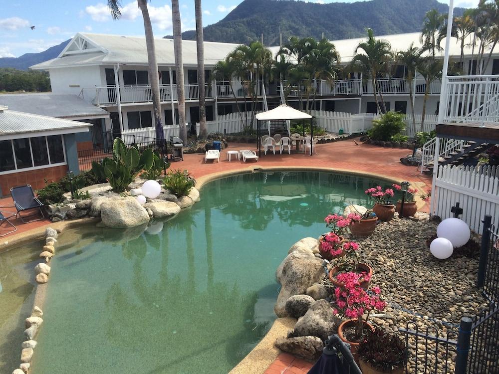 케언스 뉴 살롱(Cairns New Chalon) Hotel Image 29 - Outdoor Pool