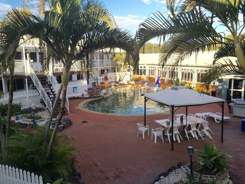 케언스 뉴 살롱(Cairns New Chalon) Hotel Image 31 - Outdoor Pool