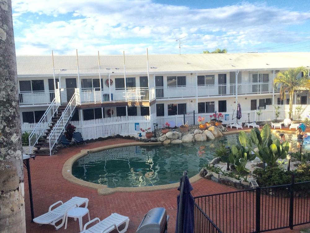 케언스 뉴 살롱(Cairns New Chalon) Hotel Image 28 - Outdoor Pool