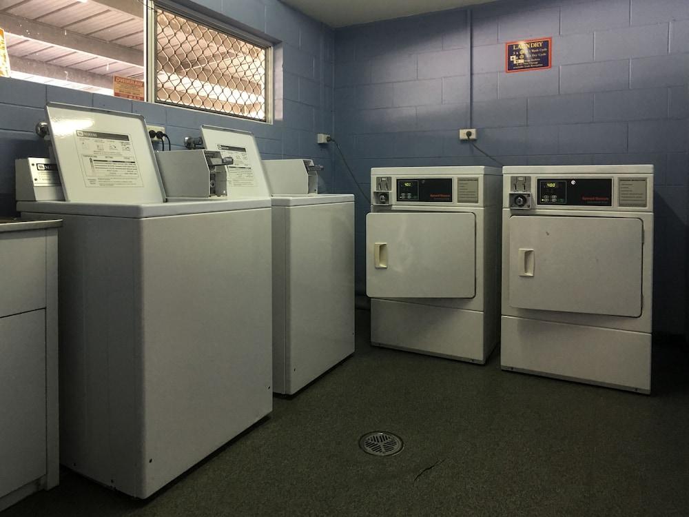 케언스 뉴 살롱(Cairns New Chalon) Hotel Image 39 - Laundry Room