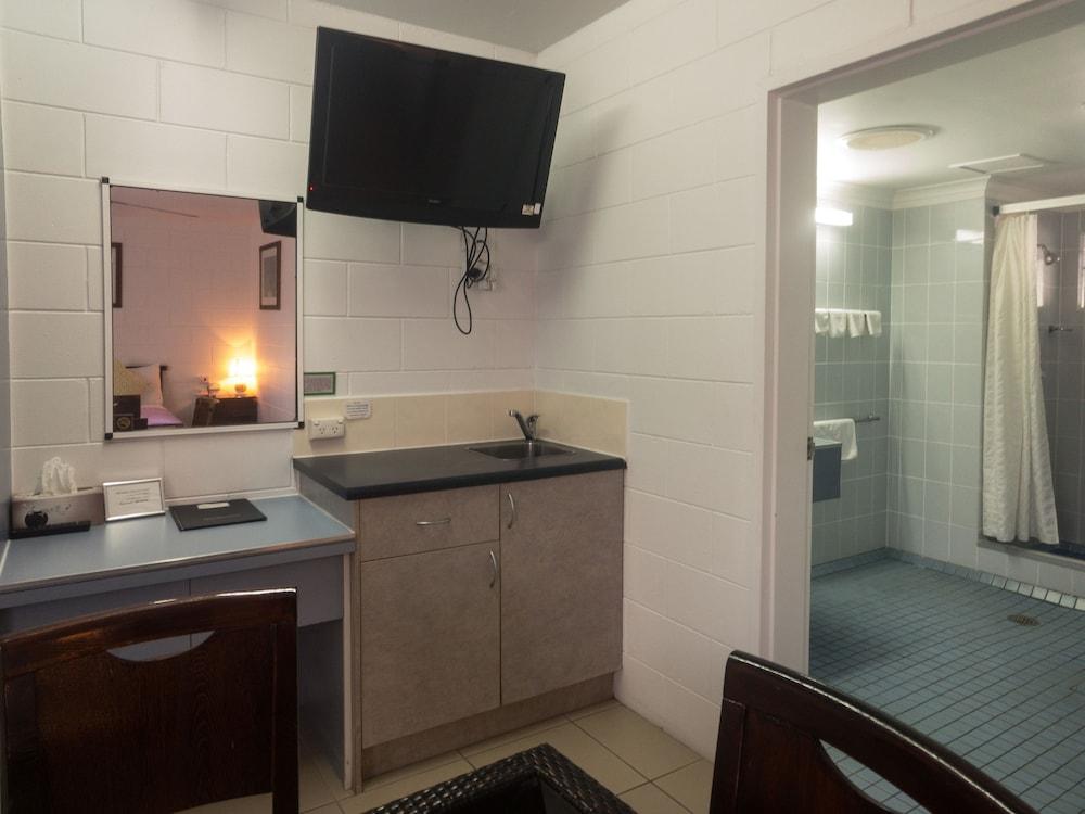 케언스 뉴 살롱(Cairns New Chalon) Hotel Image 15 - In-Room Kitchenette