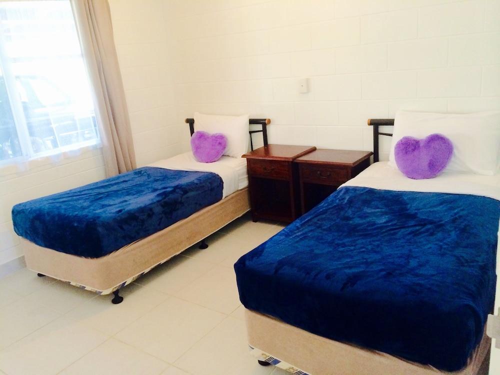 케언스 뉴 살롱(Cairns New Chalon) Hotel Image 5 - Guestroom