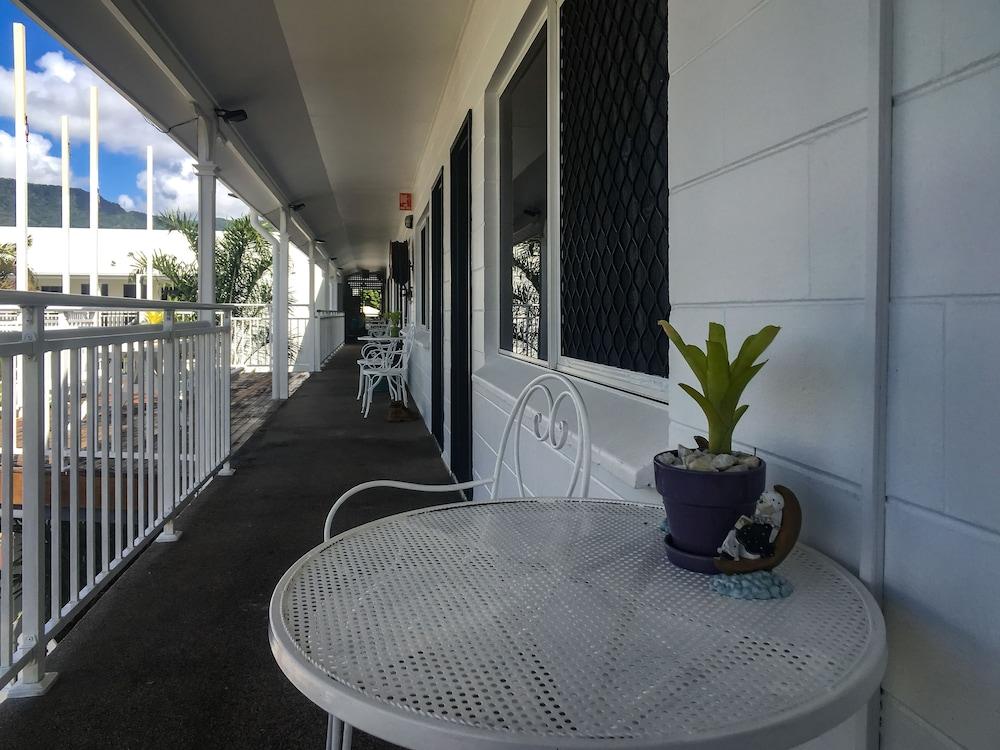 케언스 뉴 살롱(Cairns New Chalon) Hotel Image 53 - Hallway