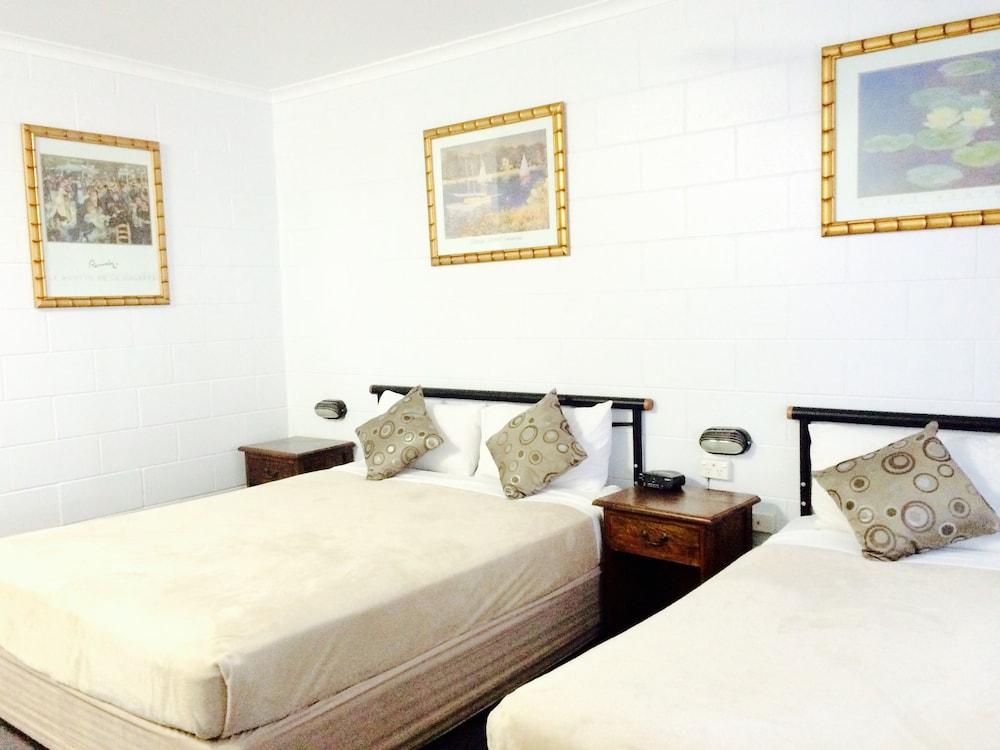 케언스 뉴 살롱(Cairns New Chalon) Hotel Image 4 - Guestroom