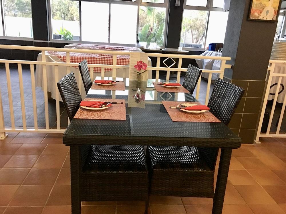 케언스 뉴 살롱(Cairns New Chalon) Hotel Image 45 - Restaurant