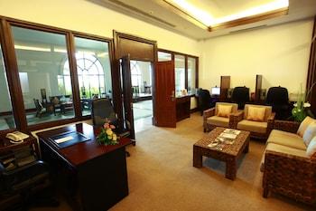Waterfront Airport Hotel Cebu Business Center