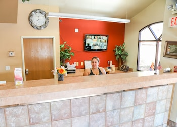 Reception at Budget Inn in Phoenix