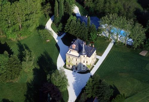 . Château de la Tour du Puits