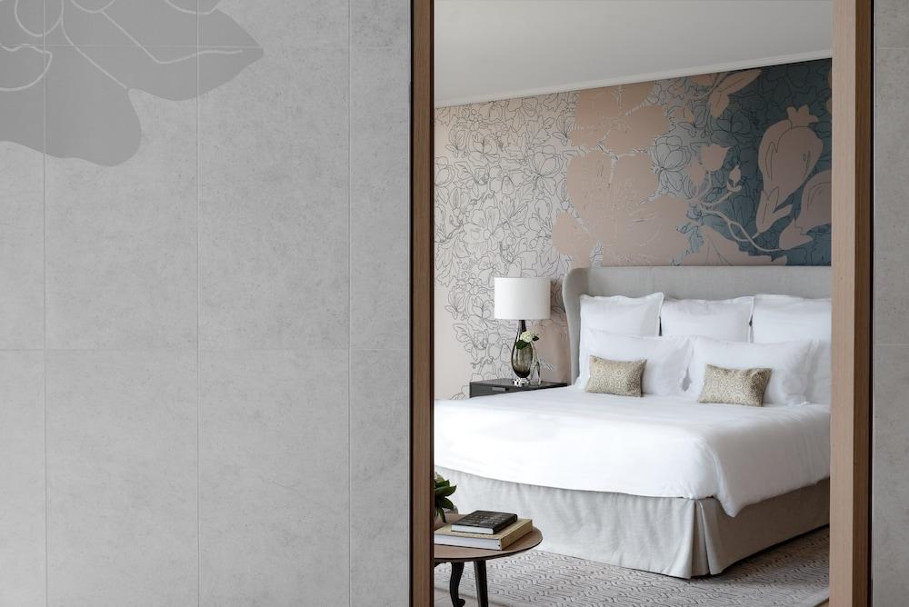 https://i.travelapi.com/hotels/1000000/540000/536100/536057/6fded61b_z.jpg