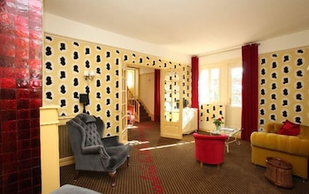 Suite, 1 King Bed (Double or Twin)