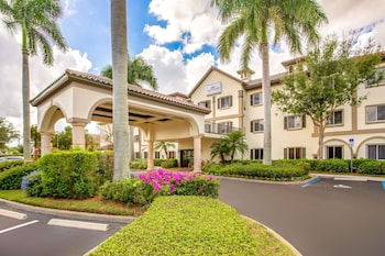 Hotel - Hawthorn Suites by Wyndham Naples Pine Ridge