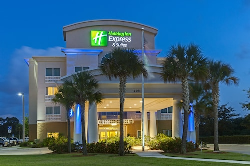 . Holiday Inn Express Hotel & Suites Fort Pierce West