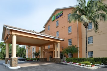 北那不勒斯 - 博尼塔溫泉智選假日套房飯店 Holiday Inn Express & Suites Naples North - Bonita Springs, an IHG Hotel