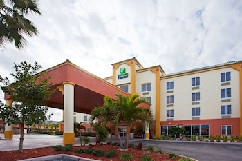 Hotel - Holiday Inn Express Hotels & Suites Cocoa Beach