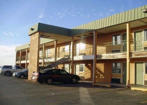 . Econo Lodge Elk City