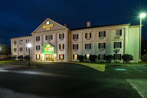. Quality Inn Crestview near Eglin AFB