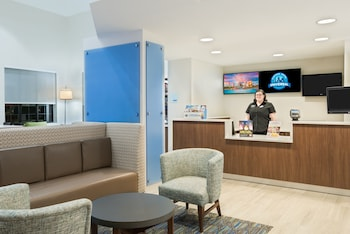 Holiday Inn Express & Suites Nearest Universal Orlando photo