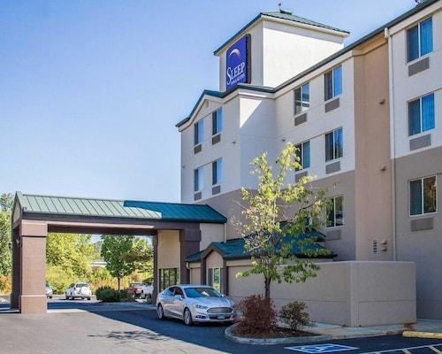 . Sleep Inn & Suites Roseburg North Near Medical Center