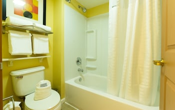 Suite, 2 Queen Beds, Non Smoking (Two-Bedroom)