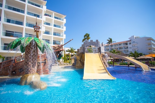 . Marival Emotions Resort & Suites All Inclusive