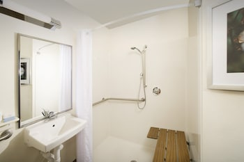 Suite, 1 Bedroom, Accessible (Mobility Tub)