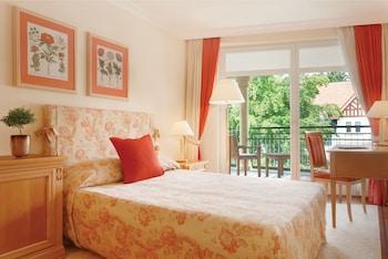 Classic Suite, 1 Bedroom, Non Smoking, Garden View
