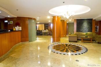 Pearl Manila Hotel Lobby