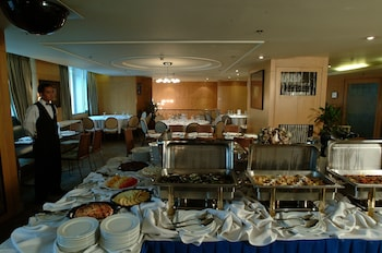 Pearl Manila Hotel Buffet