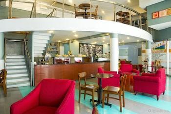 Pearl Manila Hotel Cafe