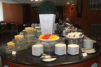 Pearl Manila Hotel Restaurant