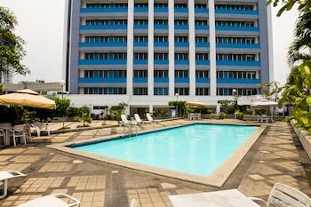Pearl Manila Hotel Outdoor Pool