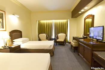 Waterfront Cebu City Hotel & Casino Room