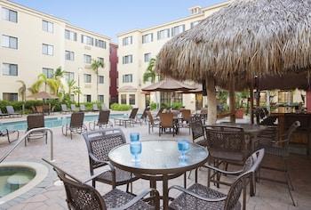那不勒斯 - 灣岸駐橋套房飯店 Staybridge Suites Naples - Gulf Coast