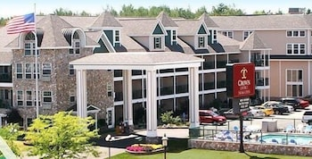 Hotel - Crown Choice Inn & Suites Lakeview & Waterpark