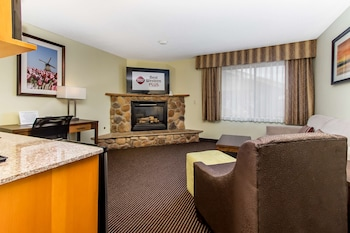 Executive Suite, 1 King Bed with Sofa bed, Non Smoking, Fireplace (with Sofabed)
