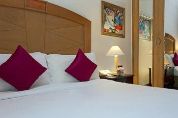 Executive Suite, Business Lounge Access
