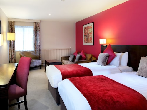 . Aberdeen Airport Dyce Hotel, Sure Hotel Collection by BW