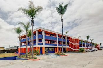 Hotel Front at Good Nite Inn San Diego near SeaWorld in San Diego