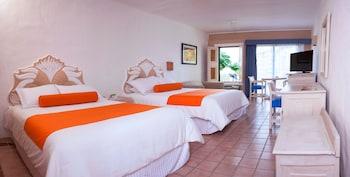 Standard Room, 2 Queen Beds, Marina View