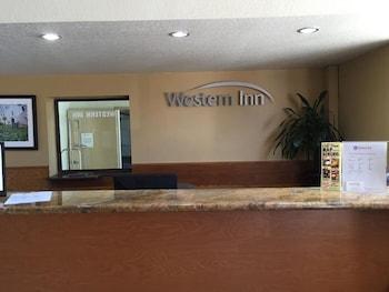 Lobby at Old Town Western Inn & Suites in San Diego
