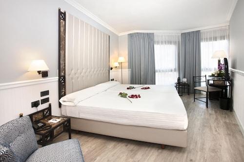 . Hotel Gran Via
