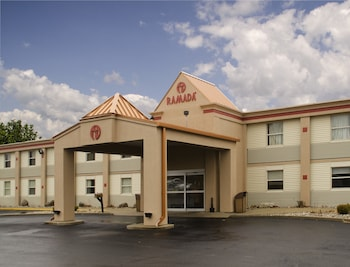 Hotel - Ramada by Wyndham Angola/Fremont Area