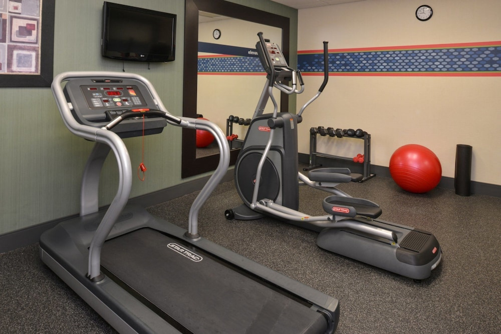 Health and Fitness : Fitness Facility 17 of 59