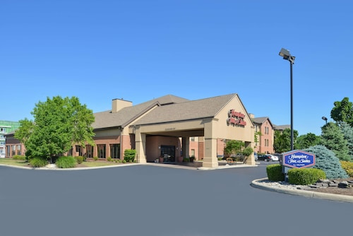 . Hampton Inn & Suites Toledo-North