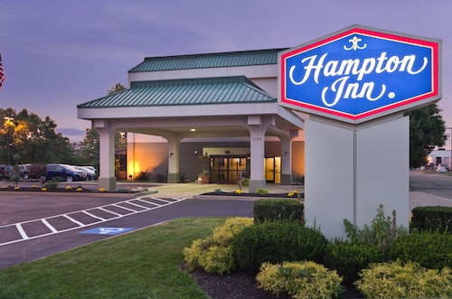 . Hampton Inn New Philadelphia