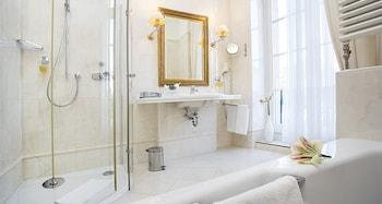 Victor's Residenz-Hotel Leipzig - Bathroom  - #0