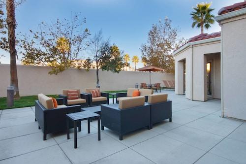 . Courtyard Palmdale
